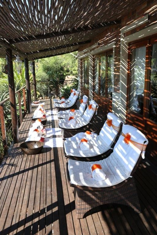 Be pampered whilst taking in a view of Lake Jozini