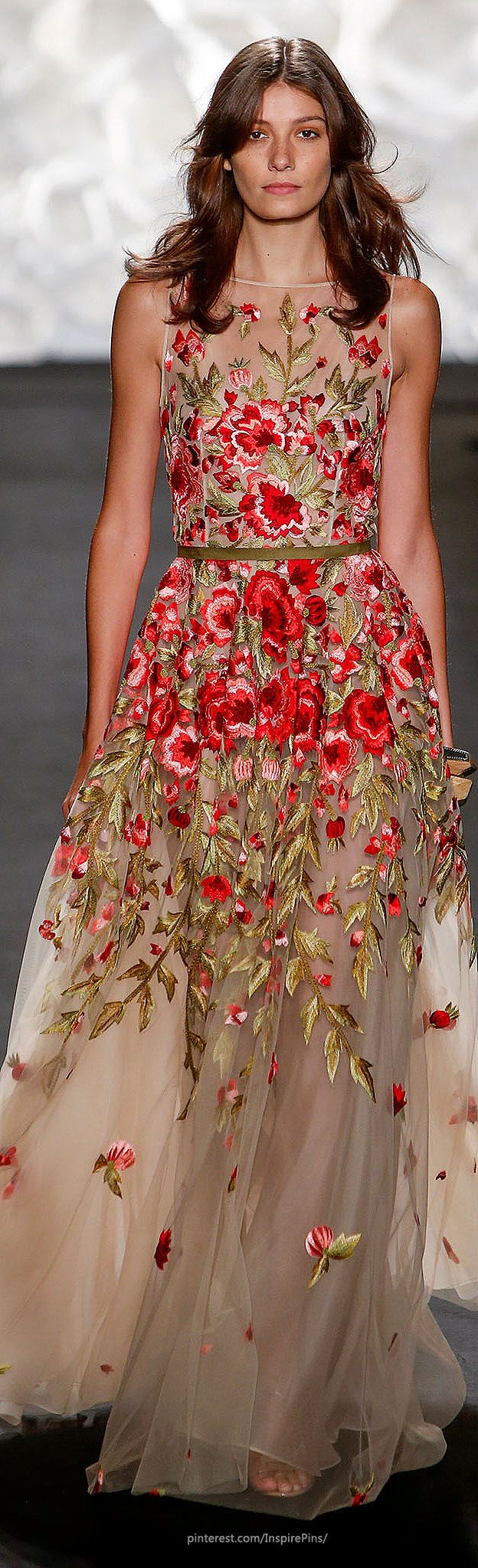 "Naeem Khan Spring 2015 Ready-to-Wear ♡♥♡♥ Thanks, Pinterest Pinners, for stopping by, viewing, re-pinning, & following my boards. Have a beautiful day! ^..^ and ""Feel free to share on Pinterest ^..^#topfashion #fashionandclothingblog *•.¸♡¸.•**•.¸ ┊ ┊ ┊ ┊ ┊ ┊"