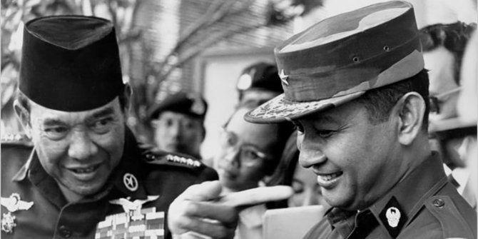 Keakraban Soejarno dan Soeharto yang banyak diplesetkan sebagai bukti dendam Soeharto.