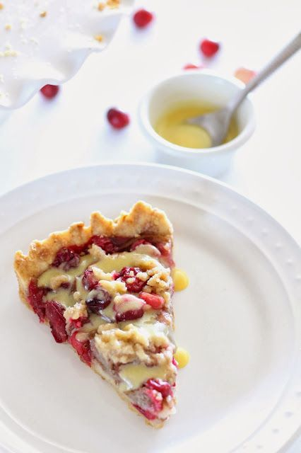 Le Petit Chef: Cranberry Pear Tart with Cardamom Creme Anglaise