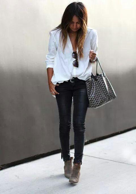 Pantalu00f3n negro blusa blanca y botines | OUTFIT JEANS | Pinterest | Camisas Informal y Traje
