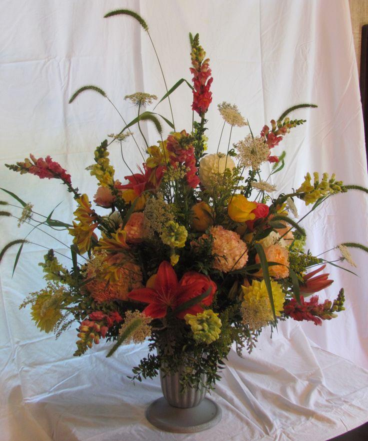 10 Images About Floral Arrangements On Pinterest Floral Arrangements Hydrangea Arrangements