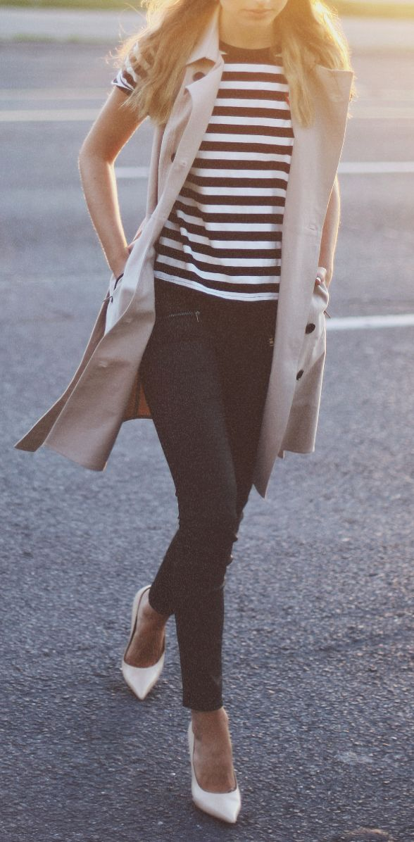 Sleeveless trench - great combination