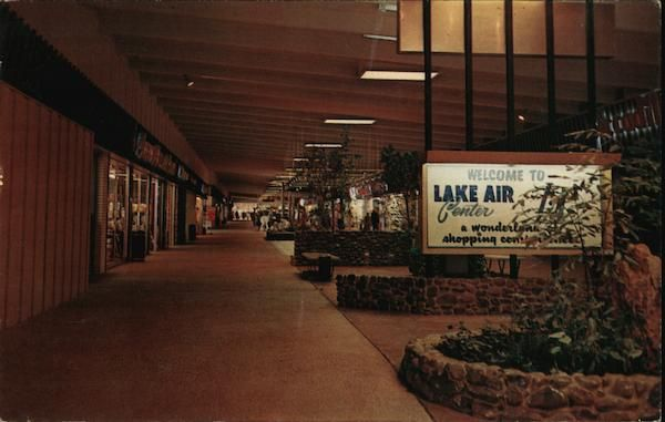 The Air Conditioned Mall Of The Lake Air Shopping Center Waco Tx