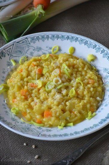 Pour varier un peu des pâtes et du riz, vous pouvez essayer l'orge perlé. L'orge est une céréale proche du blé, et l'orge perlé est un grain d'orge que l'on a transformé et rendu comestible en lui retirant son enveloppe et après plusieurs abrasions. Cette...