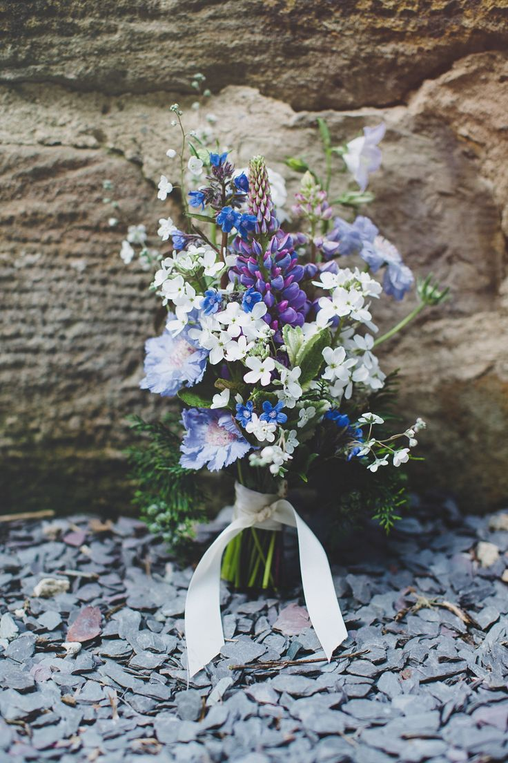 Blue and white wild flower wedding bouquet | Photography by http://www.photographychantal.co.uk/