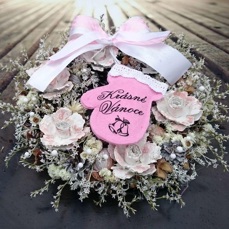Růžové+Vánoce+Romantický+věneček+se+sušinou+a+šitou+rukavičkou,+průměr+29+cm