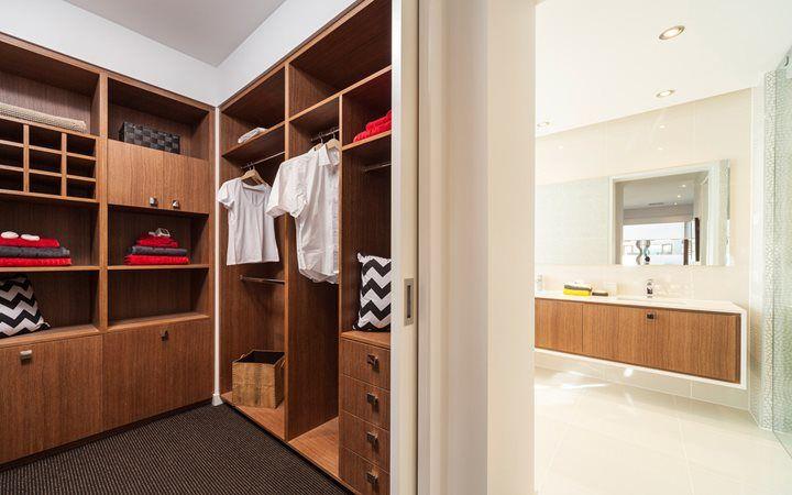 Sentosa bathroom 5 new home designs metricon wardrobe for Walk in robe designs