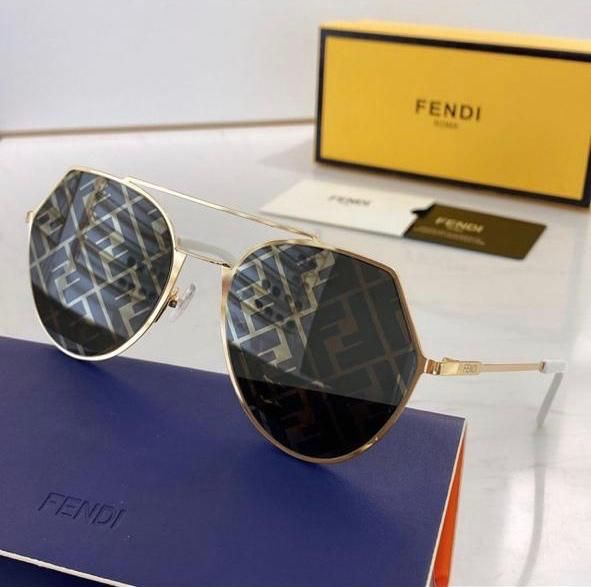 Pin By Branded Dxb On Sunglasses In 2020 Sunglasses Oval Sunglass Glasses