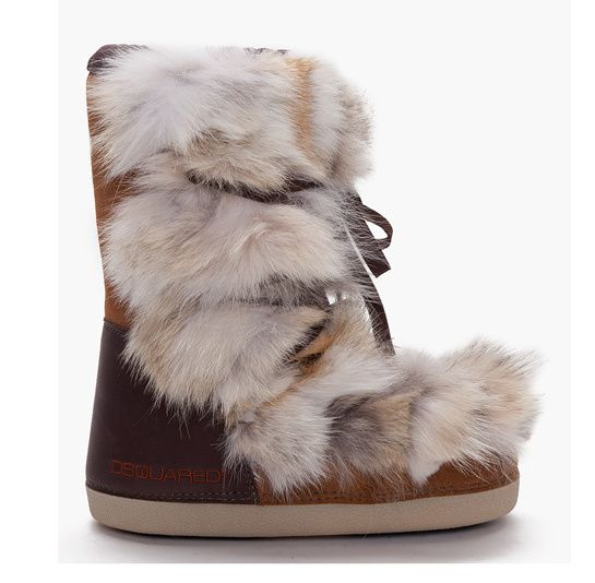 Dsquared boots fourrure http://www.vogue.fr/mode/shopping/diaporama/shopping-ski-snow-chic/17029/image/899373#!dsquared-boots-fourrure-shopping-ski
