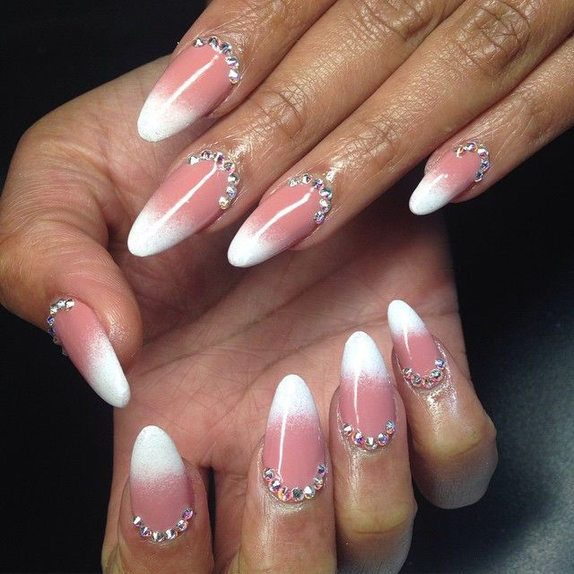 coral and white ombre nails hair and beauty pinterest. Black Bedroom Furniture Sets. Home Design Ideas