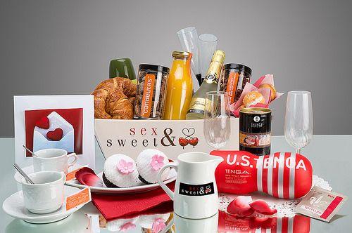 Desayuno Erótico para Hombre  Un regalo perfecto para sorprender, degustar y disfrutar con tu pareja http://www.sensacionesloveshop.com/producto/desayuno-erotico-hombre