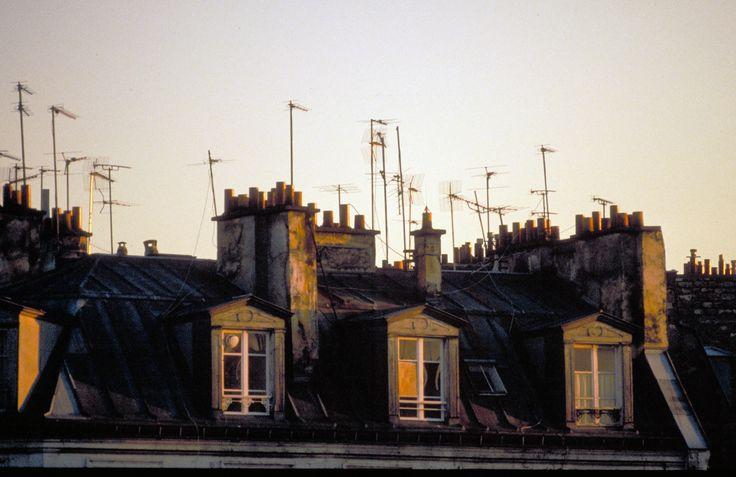 Paris, toits, antennes UHF