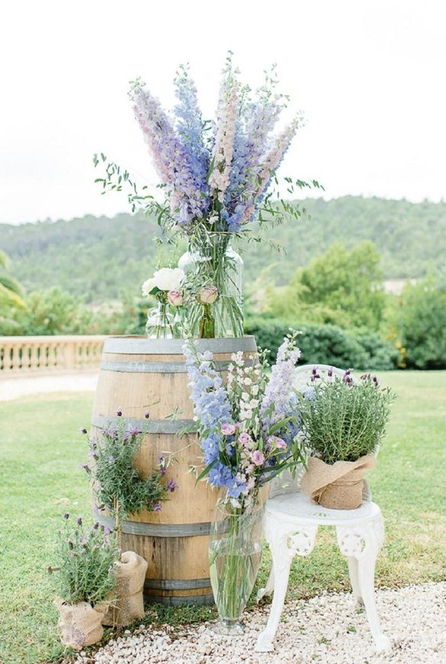 17 Fabulously Chic French Wedding Ideas via Brit + Co