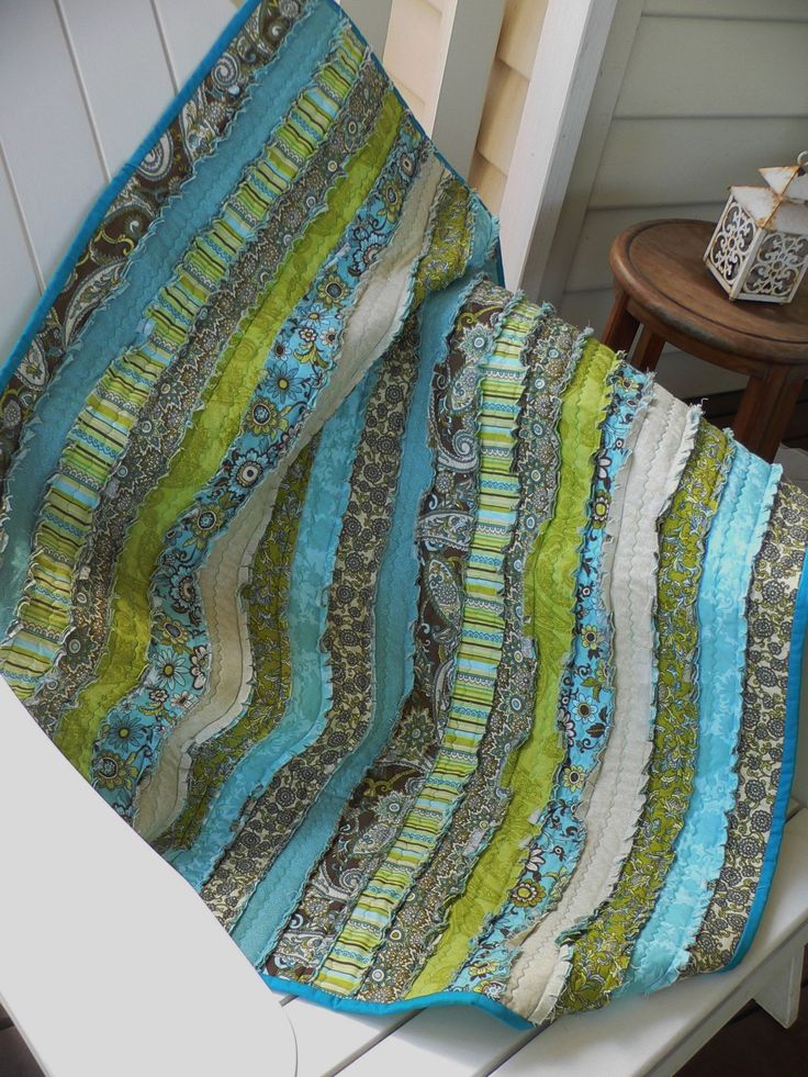 My latest project - jelly roll shaggy quilt.  I fell in love with the fabric colours : )