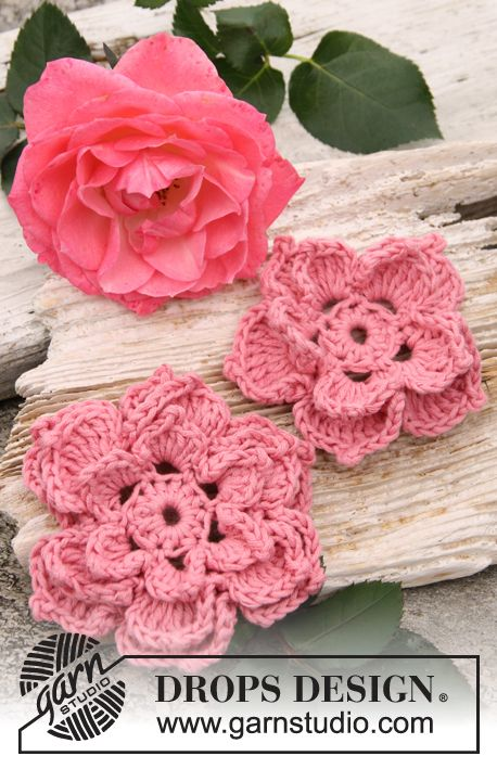"Crochet DROPS rose flowers in ""Safran"". ~ DROPS Design"