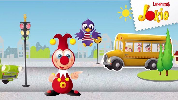 Jokie en Jet lopen over straat. Ze zien heel veel voertuigen met wielen. Zie jij ze ook?