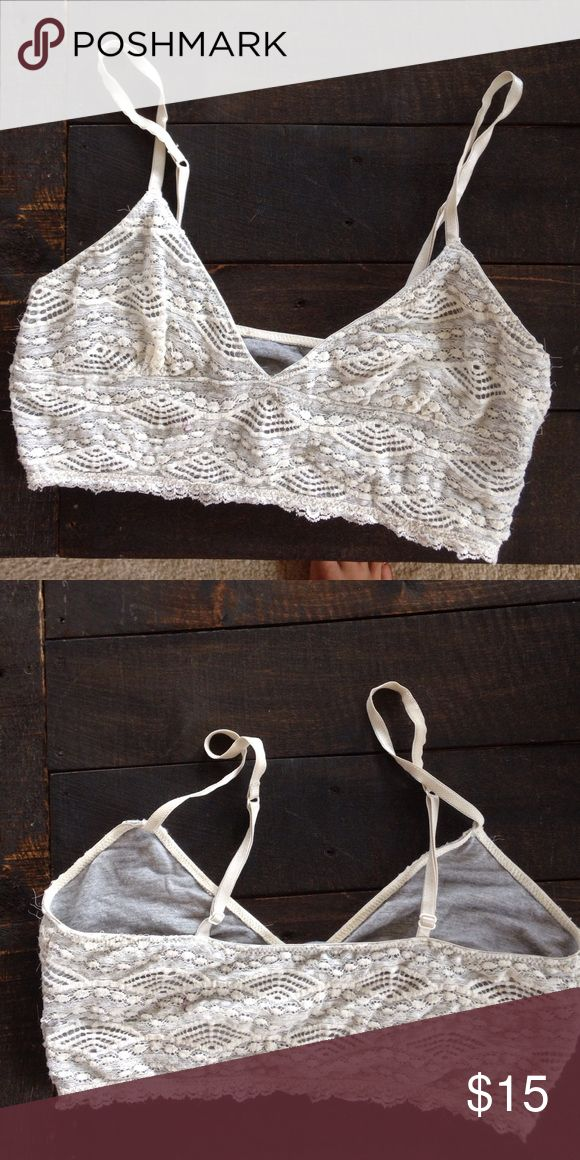 Xs lace bralette top from urban outfitters Gorgeous top Urban Outfitters Intimates & Sleepwear Bras