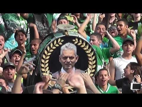 VIDEO Y FOTOS: La frase con la que Reinaldo Rueda hizo explotar la tribuna sur del Atanasio - VER VÍDEO -> http://quehubocolombia.com/video-y-fotos-la-frase-con-la-que-reinaldo-rueda-hizo-explotar-la-tribuna-sur-del-atanasio    La hinchada de Atlético Nacional despidió por la puerta grande a Reinaldo Rueda y su cuerpo técnico. Lleno en la tribuna sur para agradecerles por el trabajo realizado y las alegrías que brindaron. Créditos de vídeo a YouTube channel