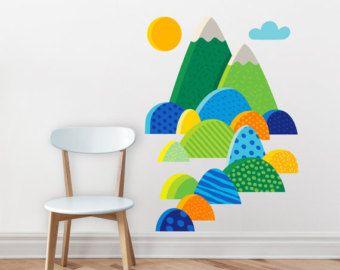 * Originele illustratie geïllustreerd door Mojca Dolinar. Cool cat op skateboard met zijn berg. Ik hou van mijn berg... Miao!  * BLAD AFMETINGEN 32 x 37 cm, 13 x 14.5 n  * Het is gemaakt van hoge kwaliteit, vinyl zelfklevend krasbestendigheid. Het heeft een mat oppervlak, wat betekent dat het eruit wanneer toegepast op uw muur geschilderd. Muur sticker is afneembaar en zal niet ruïneren uw oppervlak. Bedrukt met waterbasis kleuren.  * Het kan worden toegepast op elk schoon, glad, plat en…