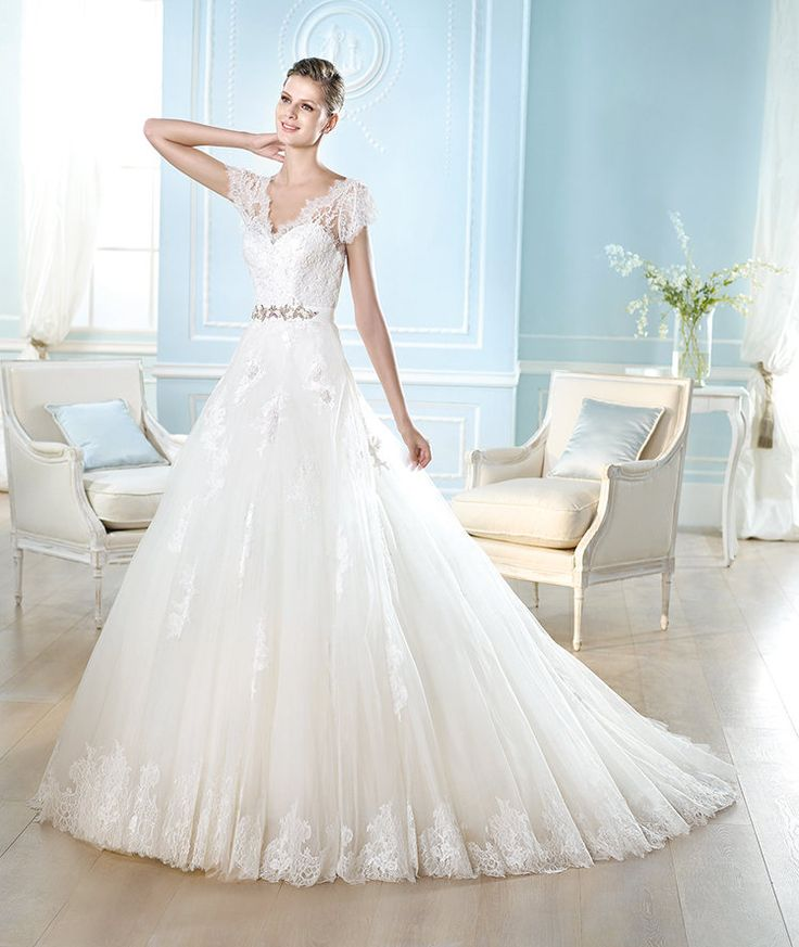 277 best ideas about Ballgown Style Wedding Dresses on Pinterest ...