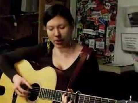 Alela Diane sings Lady Divine - acoustic fingerpicking guitar song - acoustic guitar tab