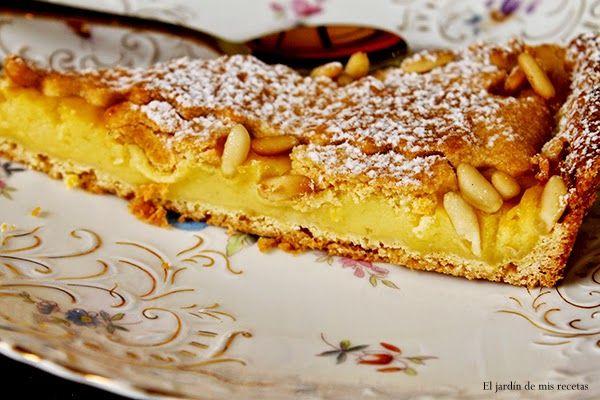 Hace pocoque conozco el blog de MaríaLuisa en el vi esta tarta, nada más verla quedé prendada de ella y supe que la haría y que serí...