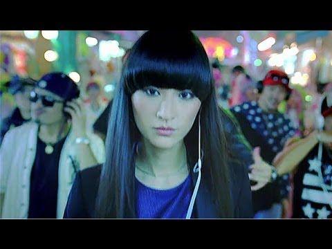 ソニーウォークマン CM シシド・カフカ 「LOVE MUSIC」篇 - YouTube