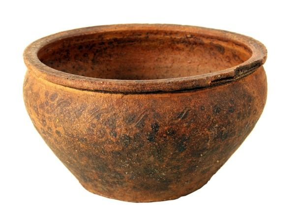 17 best images about aging pots on pinterest planters for Terracotta works pots