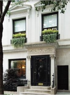 Upper East Side..extra wide.. Don't know if it's just a dream home or it's been changed into dream condos but it has lovely curb appeal