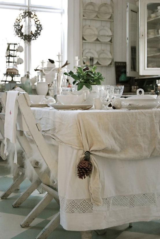 White Shabby Chic Casual Christmas Dinner With Crystal And Pinecones    Christmas Dining Room Decorating Ideas