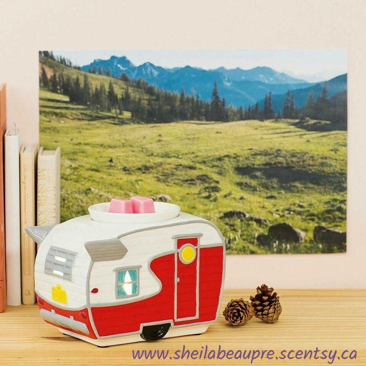 Get hitched! Modeled after the classic RVs that once ruled the highways and bi-ways, this retro warmer will inspire you to heed the pull of the open road.