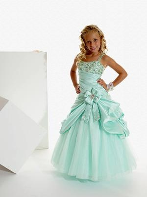 8 best Little girl dresses images on Pinterest | Pageant gowns ...