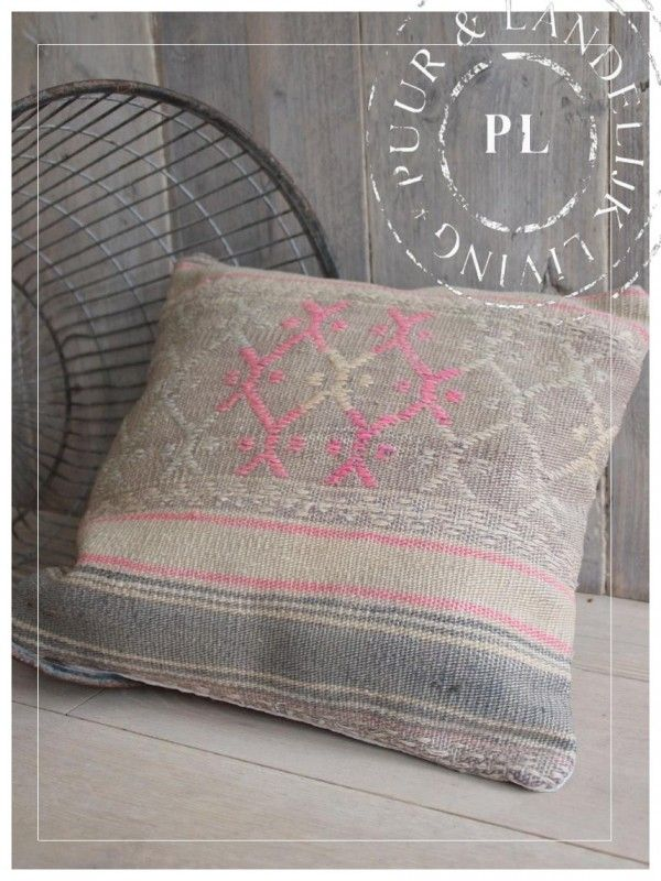 22 best Kussens images on Pinterest | Toss pillows, Cushions and ...