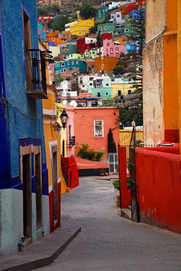 Guanajuato, Mexico                          (via skiphuntprints)