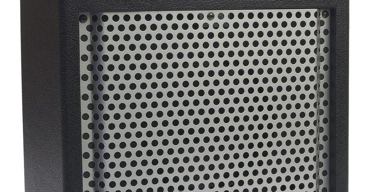 Cómo reemplazar la suspensión de espuma de un cono del altavoz. Con el tiempo, la suspensión de espuma que rodea un altavoz puede secarse y dañarse, lo que puede requerir una reparación costosa. La sustitución de la espuma con un juego de espuma de altavoces puede ayudar a mejorar el sonido de los mismos de nuevo y ahorrar dinero. La mayoría de las marcas y modelos de altavoces tienen juegos de altavoces ...