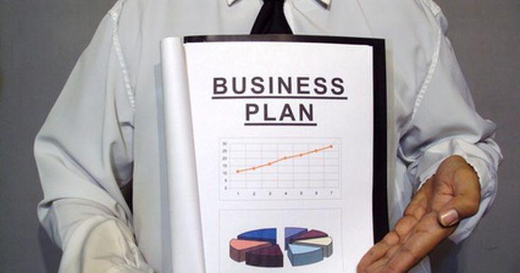 Como escrever uma proposta comercial. Se você pretende escrever uma proposta de negócios ou comercial para conseguir um empréstimo, uma nova parceria ou algum outro assunto comercial, existem muitos recursos disponíveis online para ajudá-lo a elaborar a proposta. Escrever uma proposta comercial de qualidade pode requerer tempo e prática, mas com o tempo será mais fácil, bastando ...