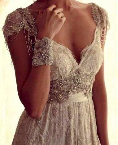 Gorgeous vintage bohemian glamour by Anna Campbell, she does the most gorgeous beading. Oh my the detail. Lovely romantic wedding dress