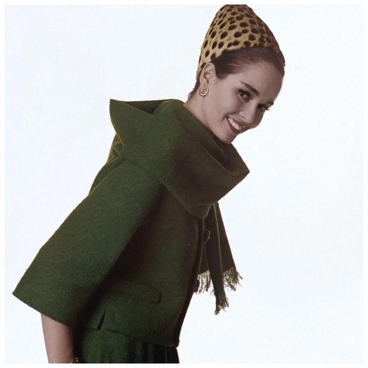 ソンドラ・ピーターソンをモデルに撮影されたバート・スターンのファッション・フォトグラフィー。