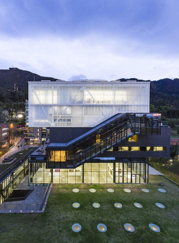 Galería de Facultad de Artes Pontificia Universidad Javeriana  / La Rotta Arquitectos   - 14