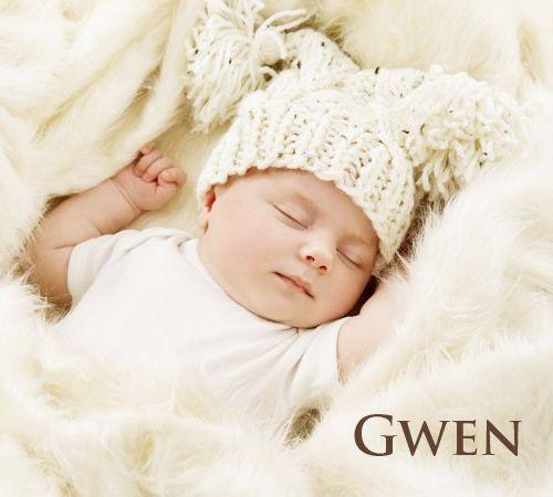 Prénom féminin, Nolwenn vient du celte an ouarn, l'agneau, et gwenn, blanc, heureux…