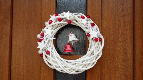 Kdopak u nás zvoní?! ..vánoční věnec na dveře