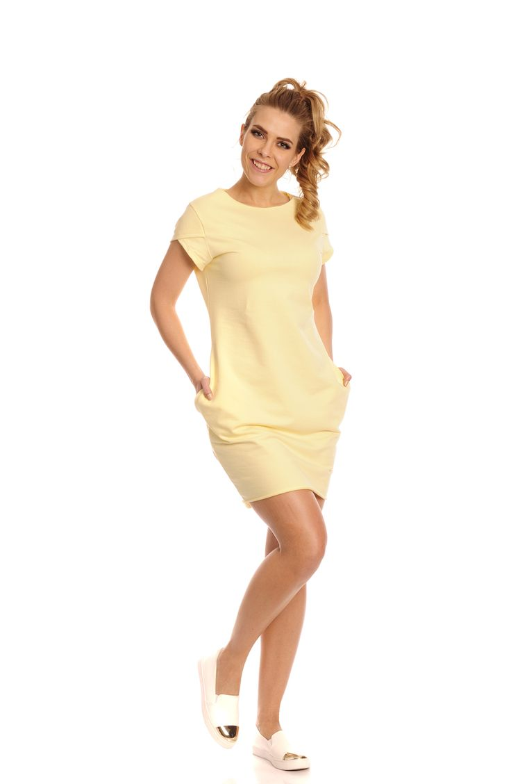 Rochia Coco este un model de rochie galbena casual-sport scurta cu buzunare laterale si cu maneca scurta,foarte usor de purtat la o iesire in parc sau la o plimbare cu amicii.  #cute #rochiicasual #rochie #sport #bumbac #prettymodaro