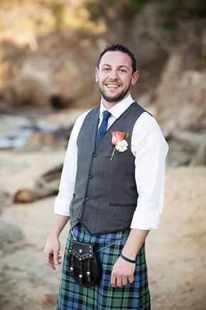 wedding kilt.  image by licensetostill.com