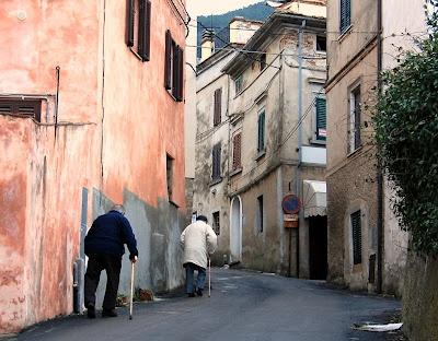 Old men's race in Montemagno, Pisa