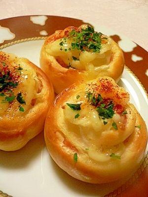 「小さなハムマヨ ロールパン(ホームベーカリー)」ハムを巻き込むだけの簡単惣菜パン成形の苦手な方でも大丈夫!【楽天レシピ】