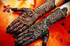 Full Hands Mehndi Design Images http://www.mehndi-designs.co/full-hands-mehndi-designs