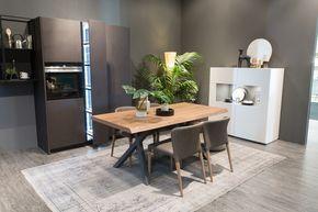 Questo weekend eravamo presenti al #SaloneDelMobile di #Bergamo. Molti di voi sono passati a trovarci al nostro stand per scoprire il mondo #alfdafrè insieme a #CeredaMobili: con loro, abbiamo esplorato gli ambienti della #zonagiorno e della #zonanotte arredati dal #design Alf Da Frè! - #FieraDelMobileBergamo Alf Da Frè: #MyHabitat - #living #furniture #arredamento #table