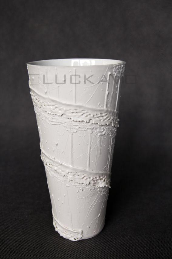 Baroque - porcelain decoration by lace