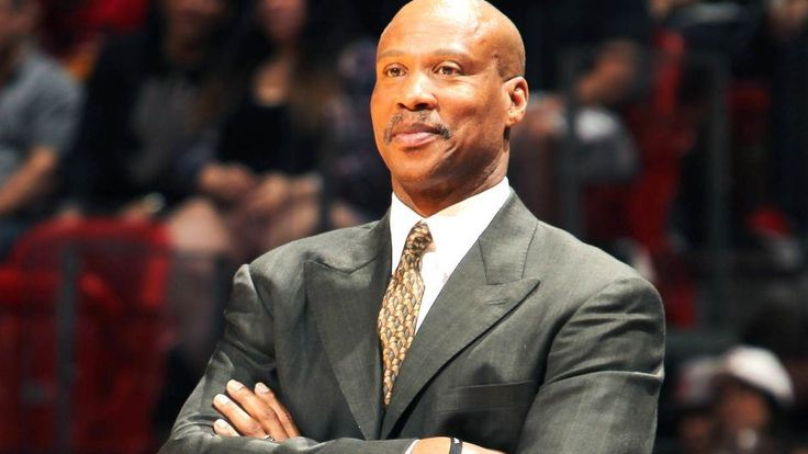 Reports: Lakers offer head coaching position to Byron Scott